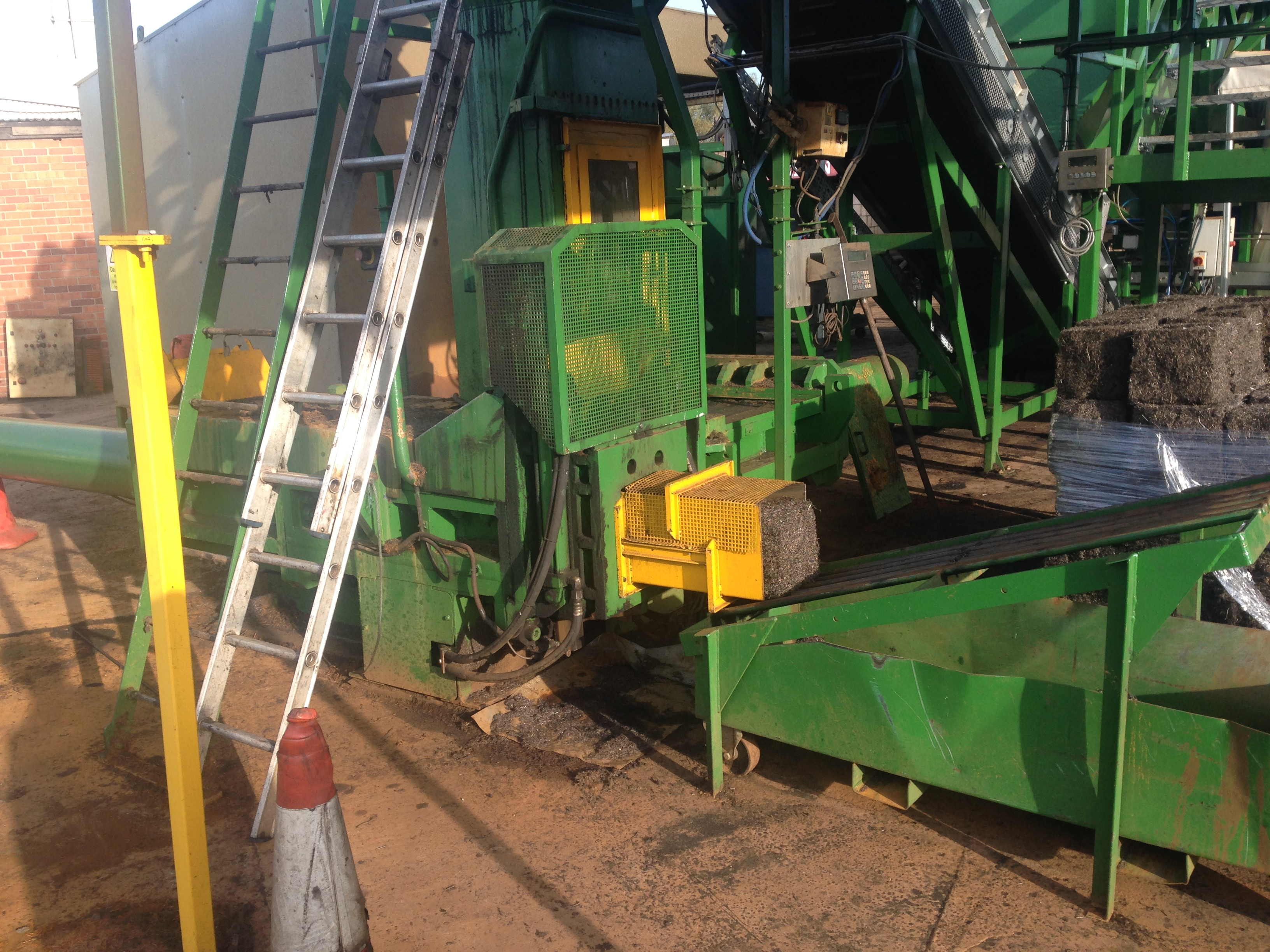 Sierra by Roter Recycling baler